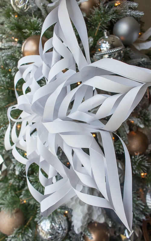 make 3d paper snowflakes Find and save ideas about paper snowflakes on pinterest | see more ideas about 3d paper snowflakes, christmas origami and snowflake origami.